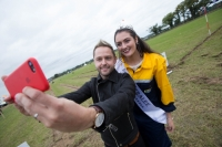 SElfie time for Derek Ryan and Rose of Tralee Jennifer Byrne, Offaly