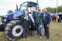 Rose of Tralee Jennifer Byrne, Offaly with PJ Lynam, Declan Buttle and Billy Shaw